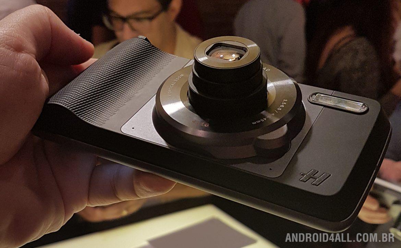 Moto Snap Hasselblad True Zoom traz zoom real ótico de até 10x