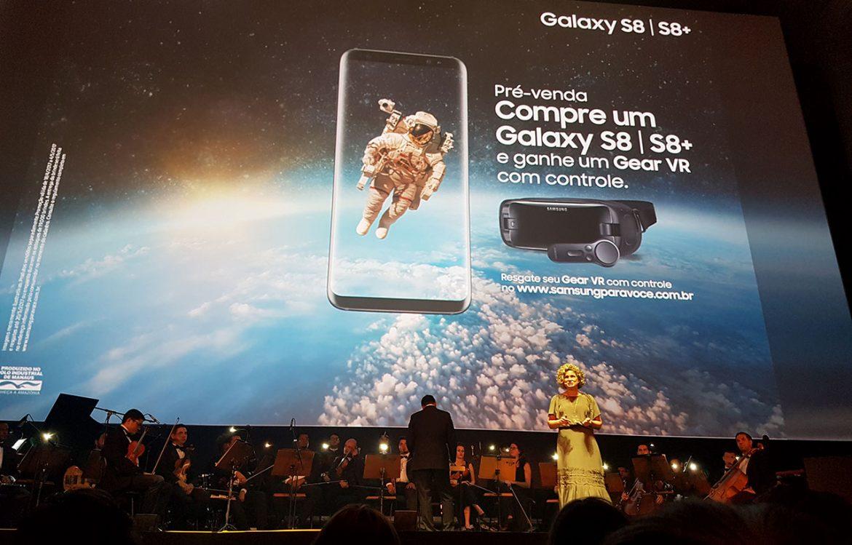 A pré-venda do Galaxy S8 e Galaxy S8+ disponibilizará gratuitamente um Gear VR com controle