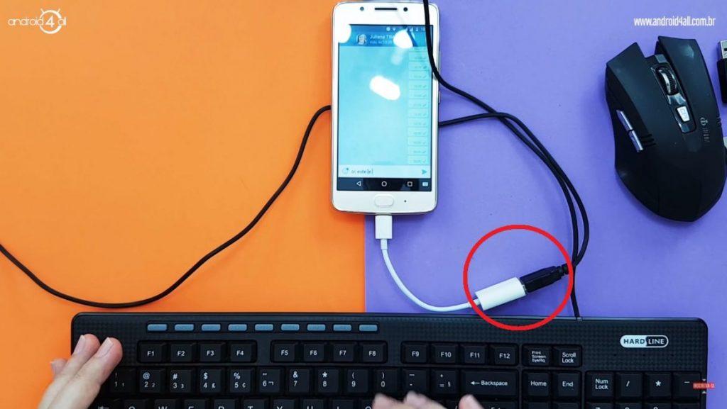 Cabo OTG para realizar a conexão de dispositivos USB no celular