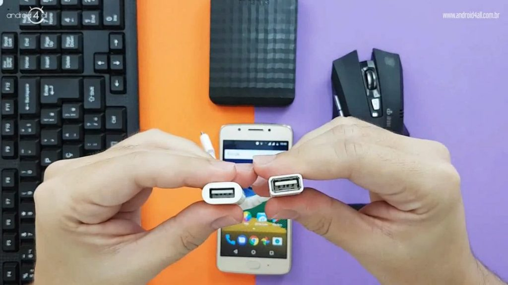 Entrada USB padrão para a conexão dos dispositivos