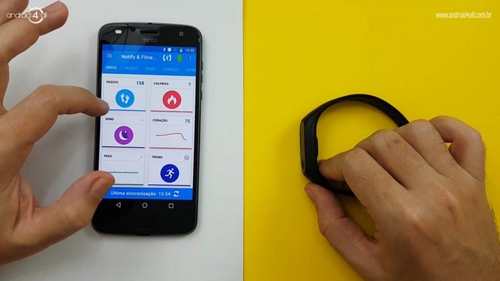 Mi Band 2 conectada ao smartphone pelo aplicativo Notify & Fitness